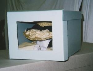 Hat box closed